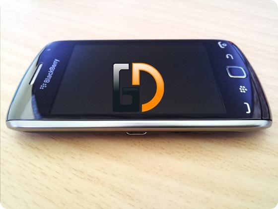 Blackberry-9380GD-05