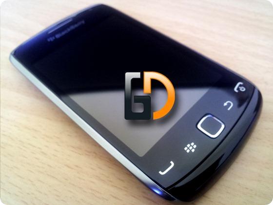 Blackberry-9380GD-06