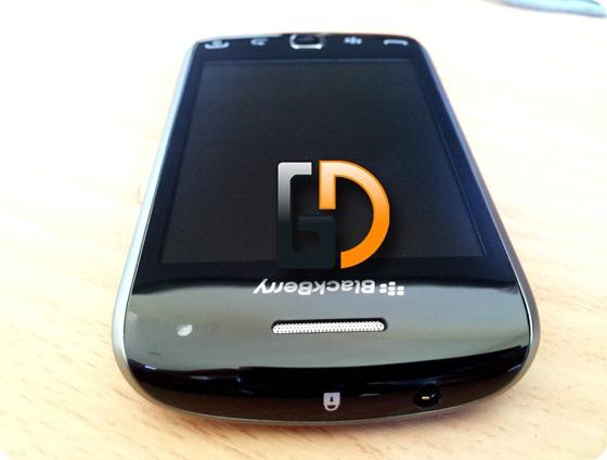 Blackberry-9380GD-08