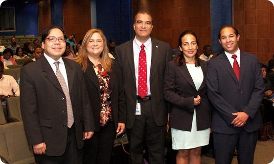 Henry Clarke, María Lorraine de Ruiz-Alma, Paul Goris, Amalia Inchaustegui y Juan Luis Lozada