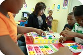 La vicepresidenta Cedeño comparte con niños y niñas en el Espacio de Esperanza del nuevo Compumetro