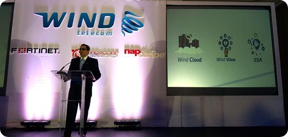 Robert Santos, Director de Ventas y Soluciones de Negocios de Wind Telecom