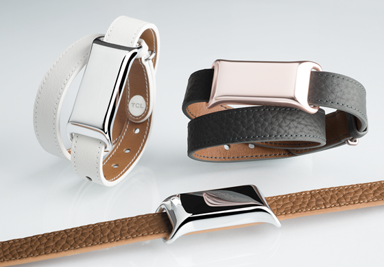 TCL_MOVEBAND BT SMARTBAND_leather double strap closeup combination